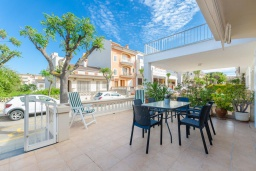 Терраса. Испания, Кан-Пикафорт : Шикарные апартаменты с террасой и отдельным входом