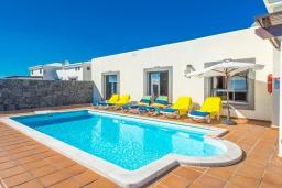 Бассейн. Испания,  : Современная вилла с видом на море и частным бассейном, с 3 спальнями, 2 ванными комнатами, с кондиционерами и Wi-Fi