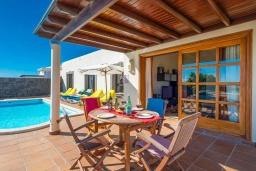 Терраса. Испания,  : Современная вилла с видом на море и частным бассейном, с 3 спальнями, 2 ванными комнатами, с кондиционерами и Wi-Fi
