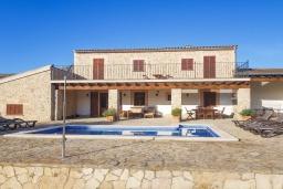 Вид на виллу/дом снаружи. Испания, Алькудия : Солнечная вилла с красивым видом, с 3 спальнями, 2 ванными комнатами, частным бассейном, кондиционерами и Wi-Fi