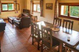 Гостиная / Столовая. Испания, Алькудия : Солнечная вилла с красивым видом, с 3 спальнями, 2 ванными комнатами, частным бассейном, кондиционерами и Wi-Fi