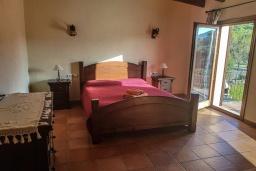 Спальня. Испания, Алькудия : Солнечная вилла с красивым видом, с 3 спальнями, 2 ванными комнатами, частным бассейном, кондиционерами и Wi-Fi