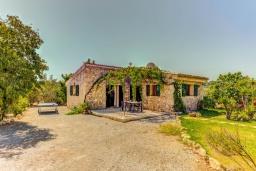 Вид на виллу/дом снаружи. Испания, Порт-де-Польенса : Сказочна озелененная вилла для отдыха на испанском острове, 2 спальни, ванная комната, частный бассейн, кондиционеры и Wi-Fi