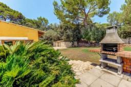 Зона барбекю / Мангал. Испания, Алькудия : Яркая вилла в традиционном стиле с частным бассейном, террасой и садом, с 4 спальнями, 3 ванными комнатами