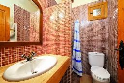 Ванная комната 2. Испания, Алькудия : Традиционная испанская вилла с частным бассейном и красивым видом на закат,  с 3 спальнями, 2 ванными комнатами