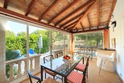 Терраса. Испания, Кала-де-Сант-Висент : Симпатичная вилла в небольшой рыбацкой деревне, с 4 спальнями, 3 ванными комнатами и частным бассейном.
