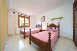 Спальня. Испания, Кала-де-Сант-Висент : Симпатичная вилла в небольшой рыбацкой деревне, с 4 спальнями, 3 ванными комнатами и частным бассейном.
