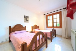 Спальня 2. Испания, Кала-де-Сант-Висент : Симпатичная вилла в небольшой рыбацкой деревне, с 4 спальнями, 3 ванными комнатами и частным бассейном.