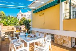 Терраса. Испания, Нерха : Красивая вилла с частным бассейном, 3 спальнями, 2 ванными комнатами, бесплатным Wi-Fi и кондиционерами.