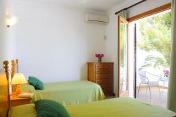Спальня 2. Испания, Кала-д'Ор : Загородная вилла для отдыха на испанском острове Майорка, 3 спальни, 2 ванные комнаты, частный бассейн