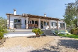 Вид на виллу/дом снаружи. Испания, Буньола : Усадьба с частным бассейном, садом и огромным пространством для 8 гостей