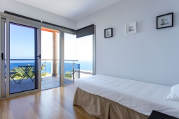 Испания, Санта-Крус-де-Тенерифе : Уютная современная вилла с открытым бассейном, с которой открывается шикарный вид на Атлантический океан, долину La Orotava и вулкан Teide. 4 спальни, 3 ванные комнаты, парковочное место на 1 машину, wi-fi