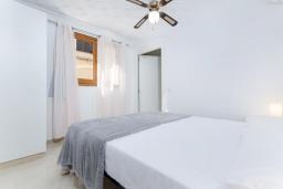 Спальня 2. Испания, Муро : Просторный таунхаус для отдыха 6-и гостей