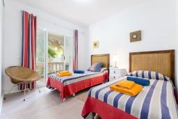 Спальня 2. Испания, Муро : Дом с террасрй и общим бассейном для 6 человек