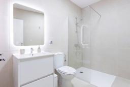Испания, Санта-Крус-де-Тенерифе : Уютные современные аппартаменты с просторной кухней-гостиной в центре города Сан-Кристобаль-де-ла-Лагуна,  рядом с Северным шоссе, 15 минут от Пуэрто де ла Круз. 2 спальни, 2 ванные комнаты