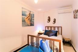 Спальня. Испания, Польенса : Идеальный дом для отпуска в самом сердце Полленсы, с внутренним двориком и прекрасным видом на горы с террасы с барбекю, 4 спальни с детской кроваткой, 2 ванные комнаты, бесплатный WIFI.