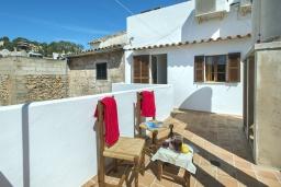 Терраса. Испания, Польенса : Идеальный дом для отпуска в самом сердце Полленсы, с внутренним двориком и прекрасным видом на горы с террасы с барбекю, 4 спальни с детской кроваткой, 2 ванные комнаты, бесплатный WIFI.