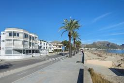 Вид на виллу/дом снаружи. Испания, Польенса : Апартаменты класса люкс в Порт-де-Полленса в нескольких шагах от пляжа Польенса,с видом на море, 1 спальня, 2 ванные комнаты, Wi-Fi.