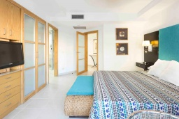 Испания, Лос Кристианос : Роскошная небольшая квартира с прямым доступом к общему бассейну, 300 м до пляжа, 1 спальня, 1 ванная комната, wi-fi