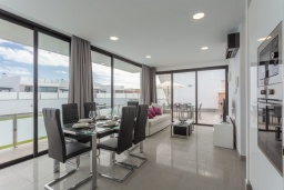 Студия (гостиная+кухня). Испания, Фуэртевентура : Красивая современная двухэтажная вилла с частным бассейном, просторной террасой и барбекю.