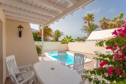 Обеденная зона. Испания, Лансароте : Светлая комфортабельная вилла с частным бассейном, 3 спальнями и 2 ванными комнатами