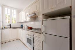 Кухня. Испания, Лансароте : Светлая комфортабельная вилла с частным бассейном, 3 спальнями и 2 ванными комнатами