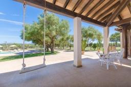 Терраса. Испания, Санта-Маргалида : Вилла с бассейном и садом, расположенная в 6 км от пляжа Плайя-де-Муро