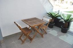 Балкон. Испания, Аликанте : Красивый и современный пентхаус, 2 спальни, гостиная, 2 ванные комнаты, Wi-Fi, кондиционер, барбекю, паркинг, терраса, спутниковое телевидение, общий бассейн