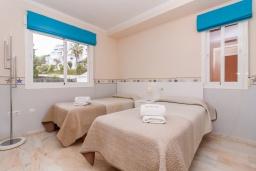 Спальня 2. Испания, Нерха : Современный апартамент в 150 метрах от пляжа в комплексе с бассейном, с гостиной, двумя спальнями и террасой