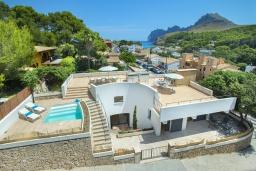 Вид на виллу/дом снаружи. Испания, Кала-де-Сант-Висент : Современная вилла в пяти минутах ходьбы от пляжа с бассейном и панорамным видом, террасой и барбекю, 4 спальни, 3 ванные комнаты, Wi-Fi.