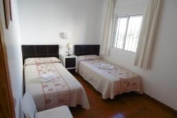 Спальня 2. Испания, Нерха : Двухуровневый апартамент в комплексе с бассейном, с гостиной, двумя спальнями и террасой