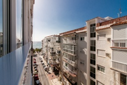 Вид. Испания, Нерха : Современный апартамент в 150 метрах от пляжа, с гостиной и двумя спальнями