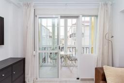 Балкон. Испания, Нерха : Современный апартамент в 150 метрах от пляжа, с гостиной, двумя спальнями, двумя ванными комнатами и балконом