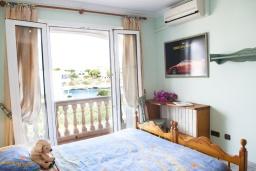 Спальня 3. Испания, Порто Колом : Очаровательная трехэтажная вилла с видом на море и пляж, с 4 спальнями, 4 ванными комнатами и собственным бассейном.