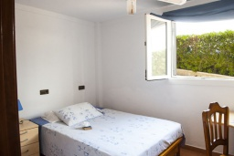 Спальня 4. Испания, Порто Колом : Очаровательная трехэтажная вилла с видом на море и пляж, с 4 спальнями, 4 ванными комнатами и собственным бассейном.