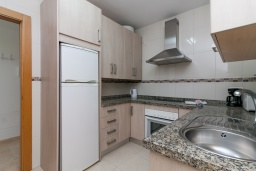 Кухня. Испания, Нерха : Прекрасный апартамент в 150 метрах от пляжа в комплексе с бассейном, с гостиной, двумя спальнями и балконом