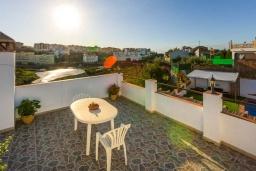 Терраса. Испания, Торрокс : Небольшая комфортабельная вилла для двоих, 1 спальня, 1 ванная комната, частный бассейн, кондиционер, Wi-Fi.