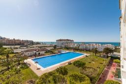 Вид на виллу/дом снаружи. Испания, Торрокс : Прекрасные современные апартаменты в 100 метрах от пляжа и с прекрасным видом на море, 1 спальня, гостиная, ванная комната, Wi-Fi.