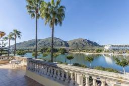 Вид. Испания, Алькудия : Вилла с собственным бассейном, 4 спальнями, 3 ванными комнатами и бесплатным Wi-Fi расположена в Алькудии.