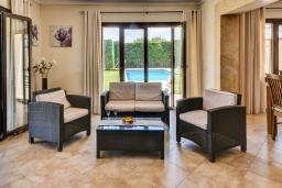 Гостиная / Столовая. Испания, Кала-д'Ор : Роскошная уединенная вилла для комфортного спокойного отдыха вдали от городской суеты, с 5 спальнями, 4 ванными комнатами и собственным бассейном.