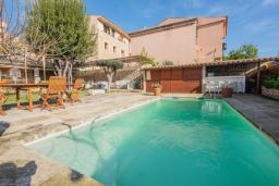 Бассейн. Испания, Каймари : Уютная романтичная вилла со стильным интерьером, с 3 спальнями, 2 ванными комнатами и собственным бассейном.