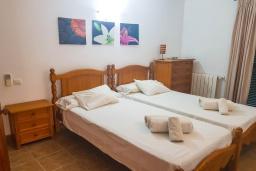 Спальня. Испания, Алькудия : Прелестная вилла с комфортабельным интерьером, с 3 спальнями, 2 ванными комнатами и собственным бассейном.