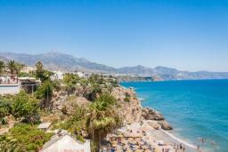 Близлежащие пляжи. Испания, Нерха : Стильные апартаменты в городе Нерха неподалеку от пляжа Балкон-де-Европа, природного заповедника Маро-Серро-Гордо, аквапарка Aquavelix и полей для гольфа Baviera Golf и Los Moriscos Golf, 2 спальни, 1 ванная комната, бесплатный Wi-Fi