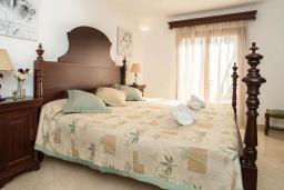 Спальня 2. Испания, Кала-д'Ор : Замечательная вилла для отдыха, включает в себя 3 спальни, 3 ванные комнаты, частный бассейн, кондиционеры, бесплатный Wi-Fi