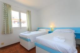 Спальня 3. Испания, Менорка : Потрясающая вилла расположенная на берегу моря, с 3 спальнями и 2 ванными комнатами.