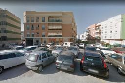 Вид на виллу/дом снаружи. Испания, Нерха : Двухкомнатная квартира с видом на город в Нерхе, в 350 м от пляжей  Торресилья и Эль-Салон и менее чем в 1 км от смотровой площадки «Балкон Европы», 1 спальня, 1 ванная комната, Wi-Fi.