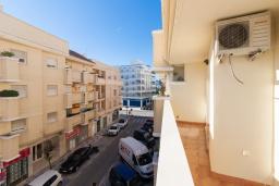 Балкон. Испания, Нерха : Стильные апартаменты в центре города Нерха, в 200 метрах от песчаного пляжа Плайя-Торречилла, в 600 метрах от Балкон-де-Европа и в 1,4 км от пляжа Бурриана, парковка, бассейн, 1 спальня, 1 ванная комната.