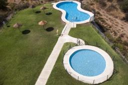 Испания, Фуэнхирола : Прекрасная квартира для семейного отдыха на берегу Средиземного моря, джакузи на террасе, детский+взрослый бассейны, 2 спальни, бесплатная парковка, кондиционирование, wi-fi
