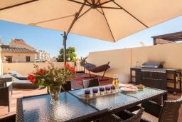 Территория. Испания, Фуэнхирола : Cовременный дуплекс на 6-х гостей с собственным спа-салоном на террасе на крыше, зоной барбекю, открытым бассейном, 3 спальни, бесплатная парковка, кондиционирование, wi-fi