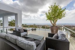Испания, Фуэнхирола : Роскошная просторная вилла с шикарным видом на побережья Средиземного моря и горы, широкий открытый бассейн, джакузи, 6 спален, бесплатная парковка, кондиционирование, wi-fi